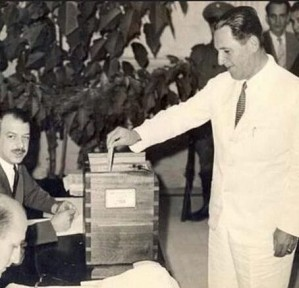 Perón votando
